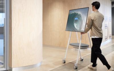 Microsoft Whiteboard experience on Surface Hub 2S